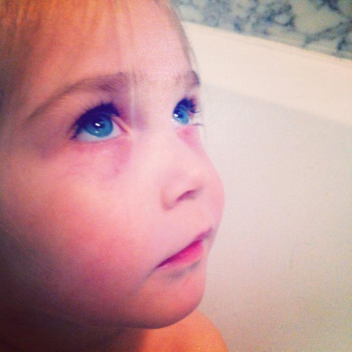 Pitchounette aux yeux bleu